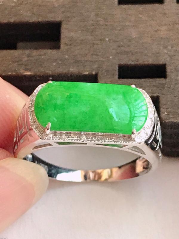 编号:md307nh,2.19翡翠A货,满绿18k金伴钻福气戒指,裸石尺寸:13.6*6*3mm,包金尺寸:15.6*7.8*4.5mm,内径:17.4mm