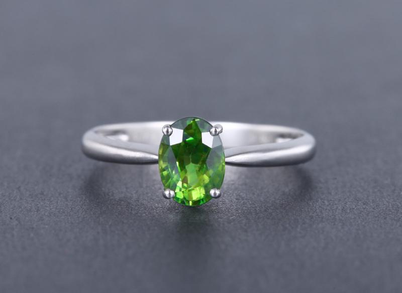 18k金镶蓝宝石戒指 宝石参数:1.18ct  总重1.55克,圈口:13.5号(可改圈)