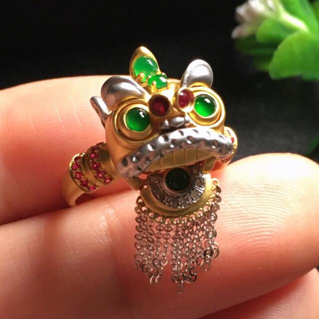 【值得推荐】好漂亮的舞狮款绿旦戒指,绿旦色阳,水润,饱满,18k金伴钻镶嵌,嘴巴和眼睛会动,有特色