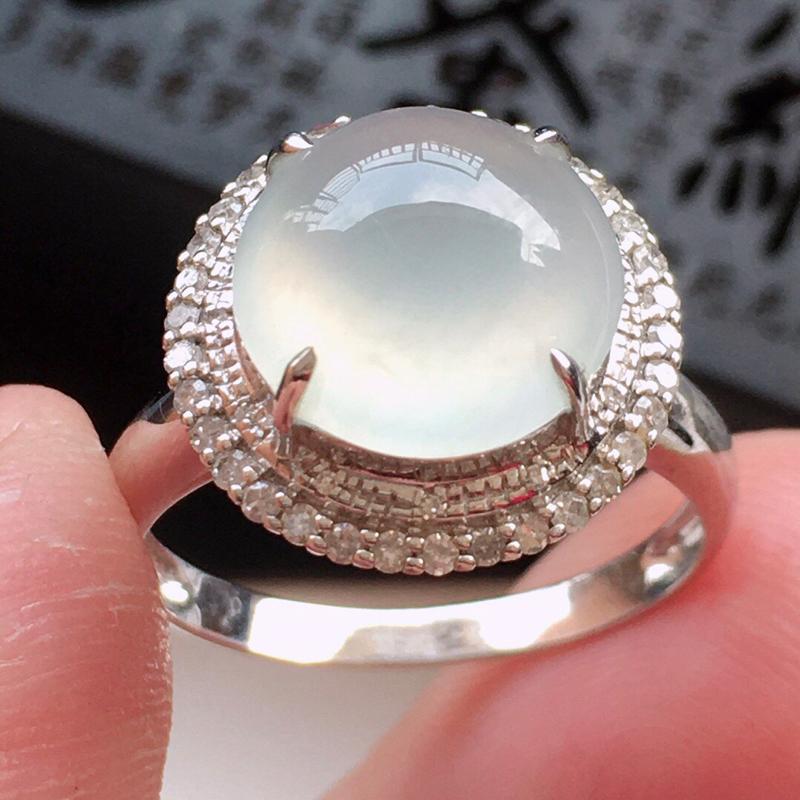 精品翡翠18k镶嵌伴钻戒指,玉质莹润,佩戴效果更美,尺寸:内径:17.1MM,整体尺寸:14.2*14*10MM,裸石尺寸:10.1*10*4MM, 整体货品质量:3.2g