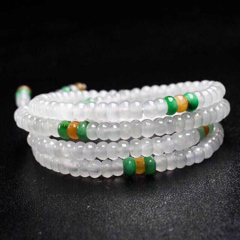 天然翡翠珠链,共224颗珠子,取其中一颗珠尺寸5*3mm,珠子水润光泽,实物漂亮,清秀高雅。佩戴效