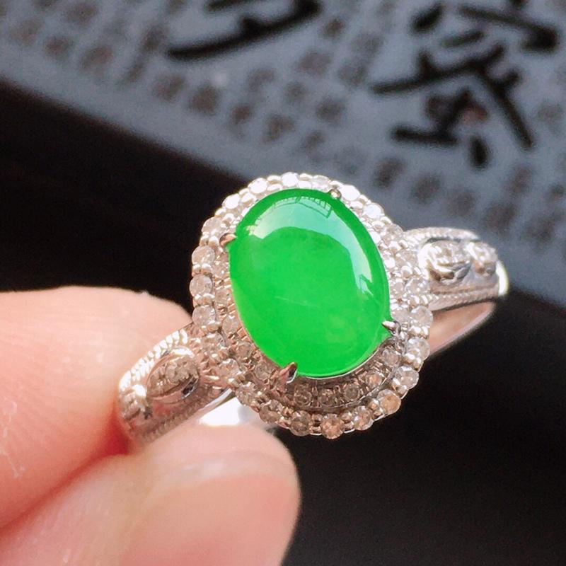 精品翡翠镶18K金伴钻戒指, 玉质莹润, 佩戴效果更美,商品尺寸:内径:16.7MM,玉:7.4*5