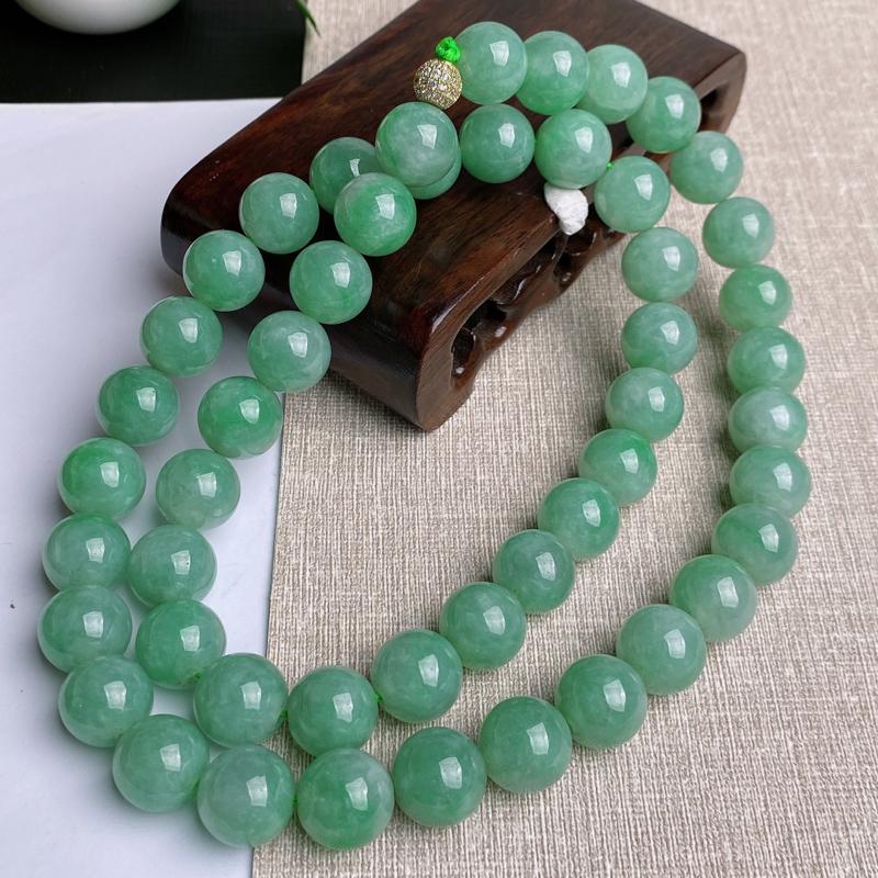 A货翡翠-种好满绿圆珠项链,尺寸-其一圆珠直径13.8mm