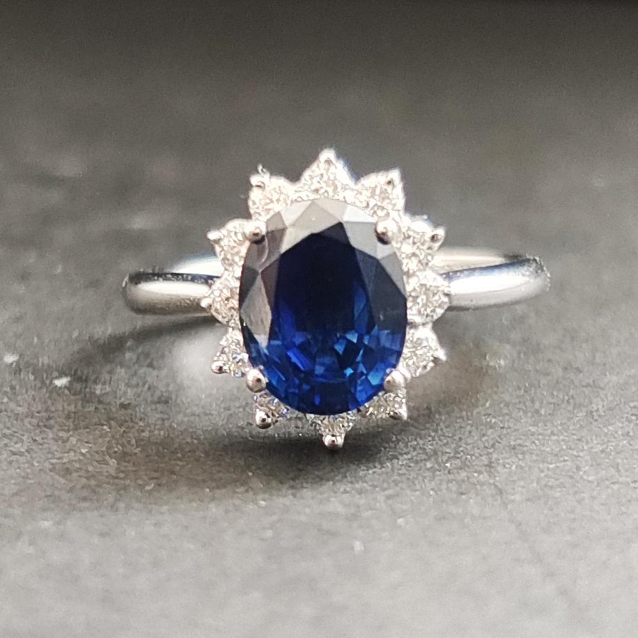 【【戒指】18K金+蓝宝石+钻石 宝石颜色纯正 主石:2.31ct/P 货重:3.55g 手寸:15寸】图3