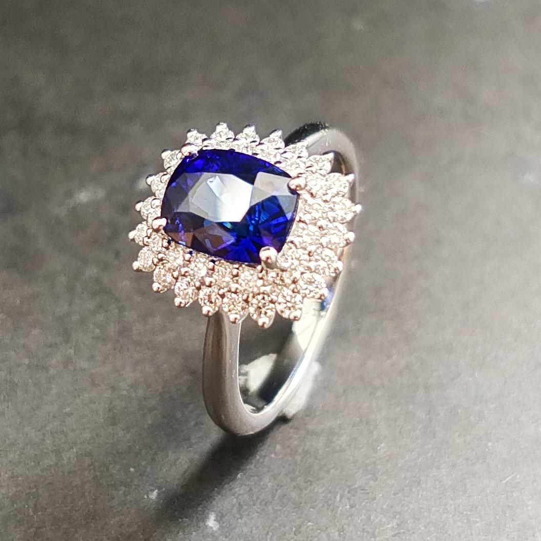 【【戒指】18K金+蓝宝石+钻石 宝石颜色纯正 主石:2.54ct/P 货重:4.74g 手寸:15寸】图4