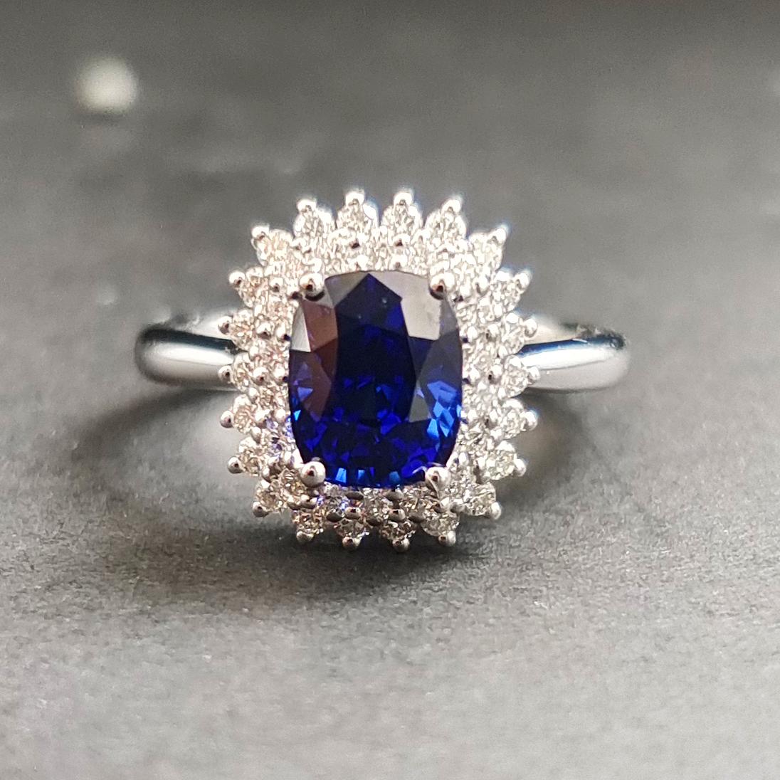 【【戒指】18K金+蓝宝石+钻石 宝石颜色纯正 主石:2.54ct/P 货重:4.74g 手寸:15寸】图2