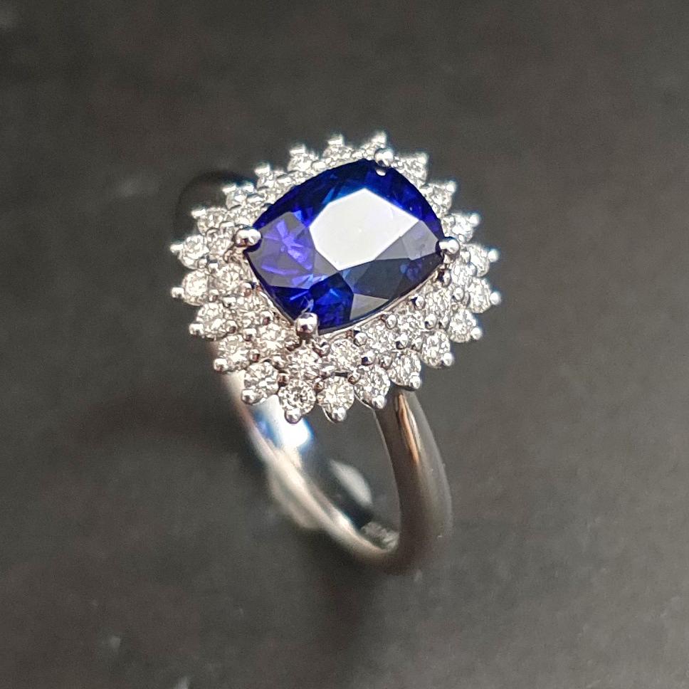 【【戒指】18K金+蓝宝石+钻石 宝石颜色纯正 主石:2.54ct/P 货重:4.74g 手寸:15寸】图3