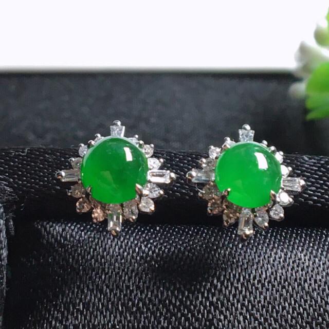 【值得推荐】好漂亮的绿旦耳钉,18k金伴靓钻镶嵌,尺寸9.9*9.1*4.6mm,非常大气,简约美