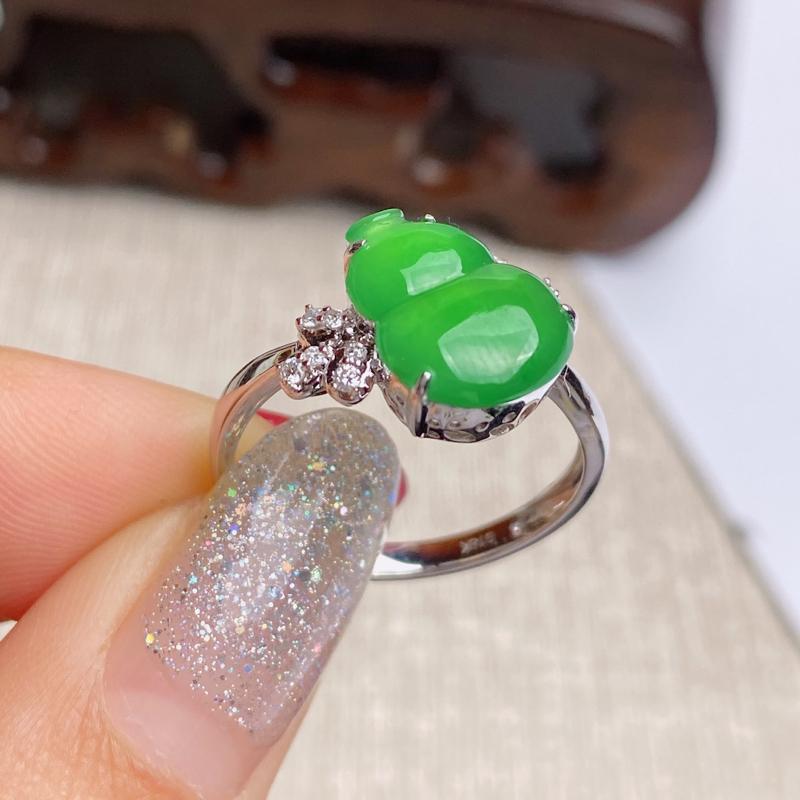 A货翡翠-种好满绿18k金伴钻葫芦戒指,尺寸-裸石11.9*9.4*2.8mm整体11.7*13.9