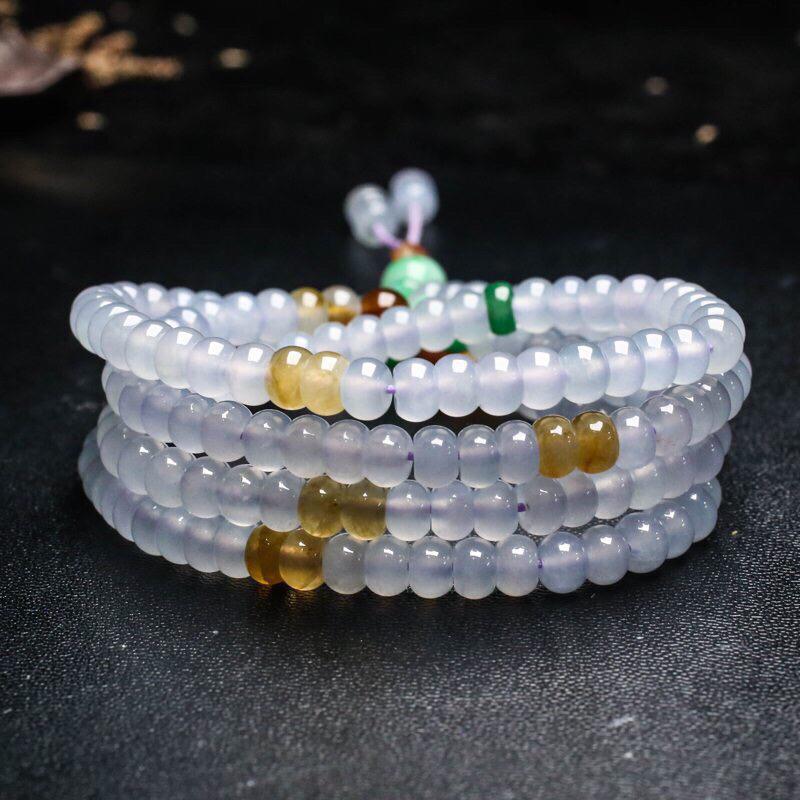 拍下有礼三彩翡翠珠链。共188颗珠子,取其中一颗珠尺寸大约5.9*4mm,珠子实物漂亮,清秀高雅,莹润光泽,佩戴效果高贵端庄大方。
