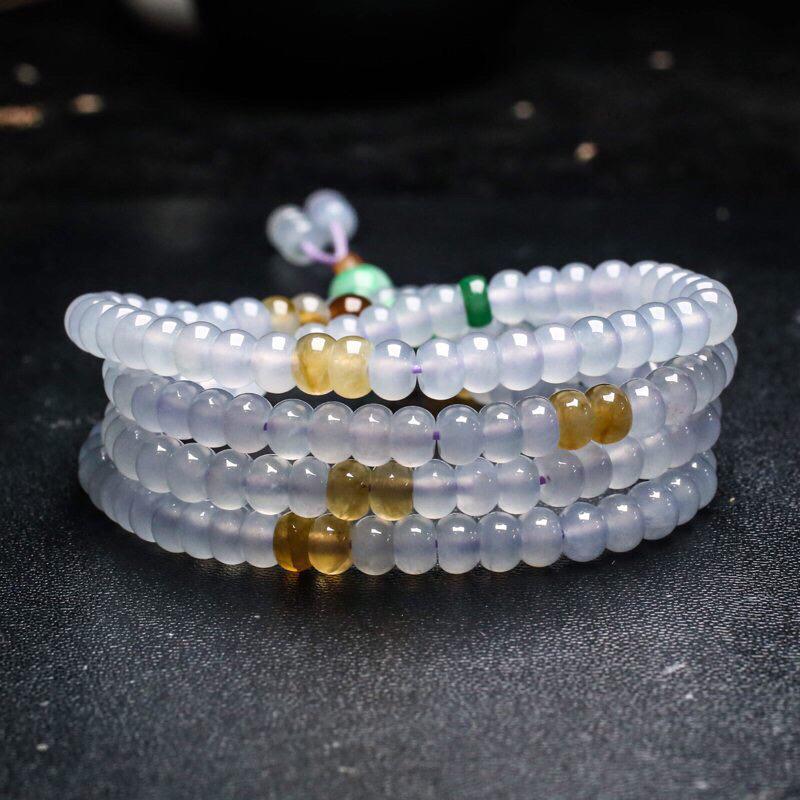 拍下有礼三彩翡翠珠链。共188颗珠子,取其中一颗珠尺寸大约5.9*4mm,珠子实物漂亮,清秀高