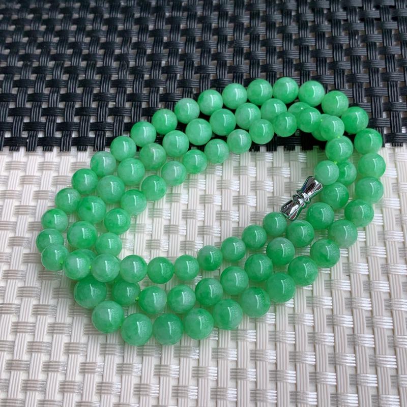 满绿项链,尺寸:81颗5.8/7.4mm,A货翡翠满绿塔珠项链、编号0302dz