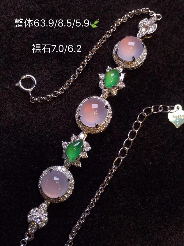 收藏级冰粉紫翡翠仙气手链 满满的珠宝 是一眼看了就入心的 种色兼备 每一颗的品质都是极好的 冰纯柔美