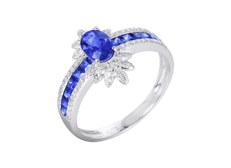 【18k金镶皇家蓝蓝宝石戒指 宝石参数:0.72+0.46ct  配石:钻石70颗,总重2.38克,圈口:14号(可改圈)】图5