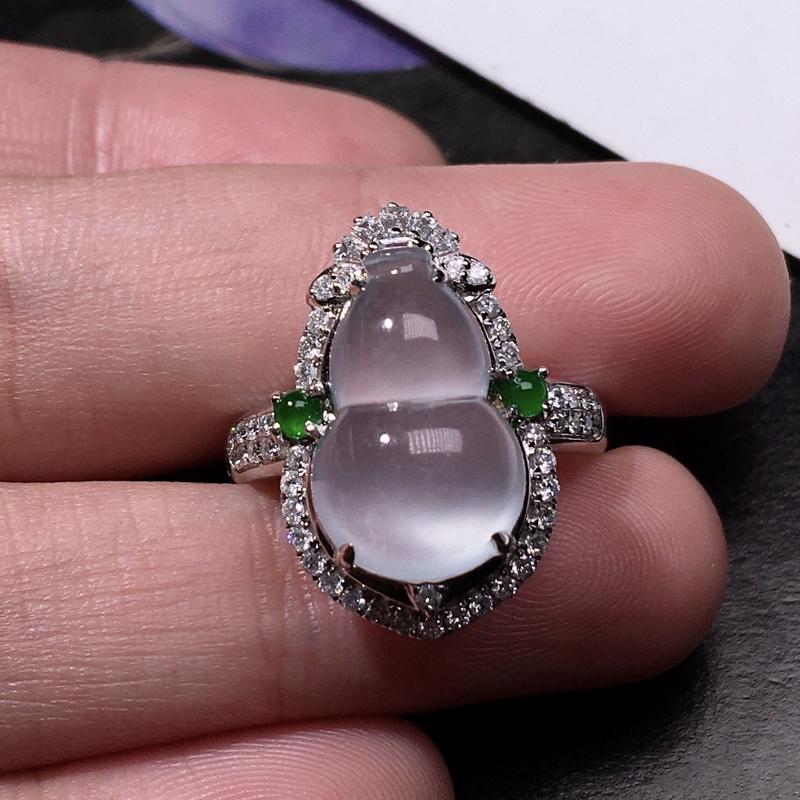 严选推荐👍👍👍老坑玻璃种翡翠葫芦女戒指,裸石饱满圆润,18k金钻豪华镶嵌而成,大尺寸葫芦戒指,佩戴效