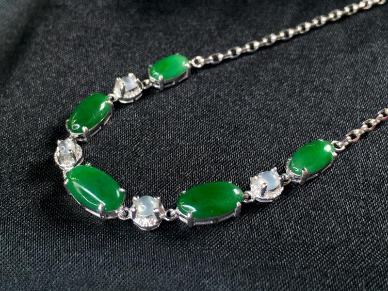 【低价放漏】翡翠a货,满绿蛋面手链,18k金伴钻,颜色深邃,佩戴精美,裸石规格:9.0-5.2-2.
