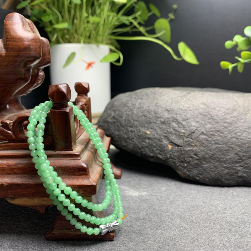 糯种果绿色翡翠珠链项链、154颗、直径3.5毫米、质地细腻、色彩鲜艳、隔珠是装饰品、ADA031C1