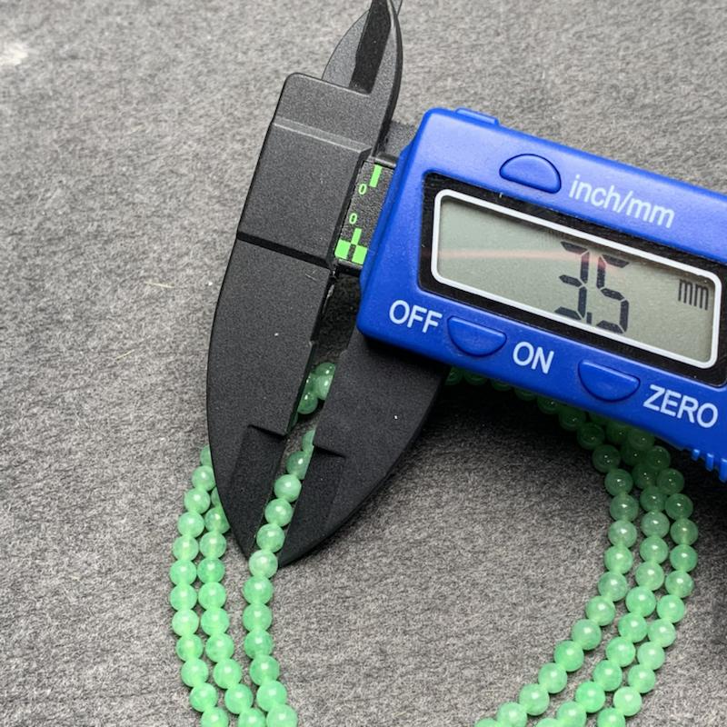 糯种果绿色翡翠珠链项链、154颗、直径3.5毫米、质地细腻、色彩鲜艳、隔珠是装饰品、ADA031C12