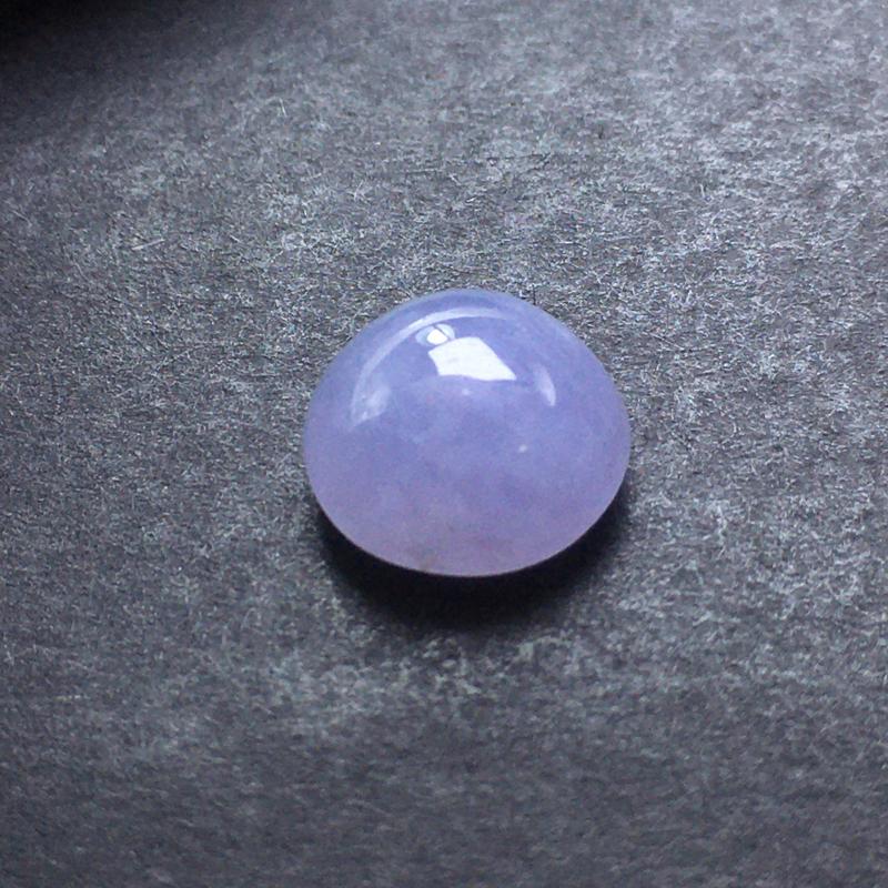 紫气蛋面裸石,底子细腻,色泽漂亮,无裂,干净起光,饱满圆润。 尺寸:9.7-9.9-5.7
