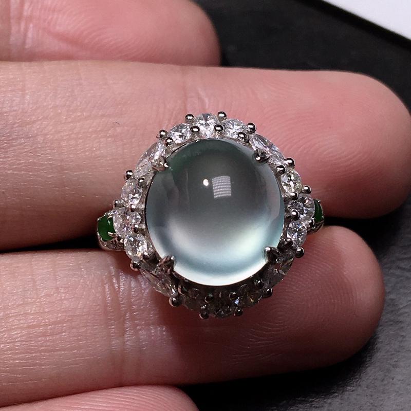 严选推荐(玻璃种蛋面,很美)老坑玻璃种起蓝钢光翡翠大蛋面女戒指,蛋面饱满圆润,尺寸够大,18k