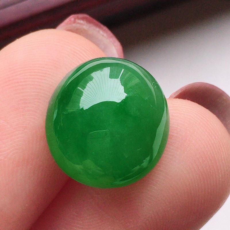 翡翠满绿蛋面,玉质莹润,佩戴佳品,尺寸:12.8*12*6.3mm,重1.68克