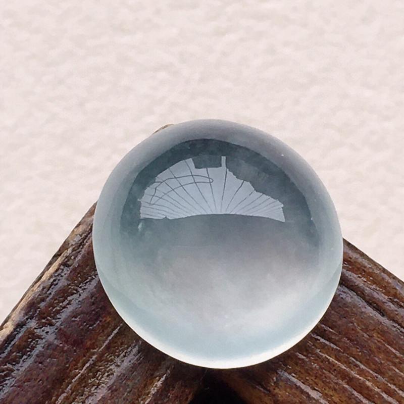 翡翠蛋面,玉质莹润,佩戴佳品,尺寸:12.1*5.7mm,重1.27克