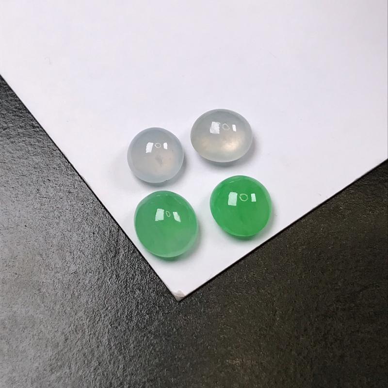推荐行家货老坑冰种蛋面。全部4颗…两个白冰,两个绿色。水头很好。镶嵌戒指,耳钉都可以。冰胶感十