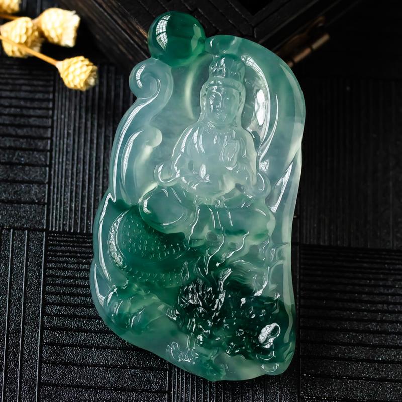 杨克召大师作品,冰种飘花翡翠御龙观音,冰透水润,有胶感,质地细腻,光泽度好,种老水足,极具灵性之美,