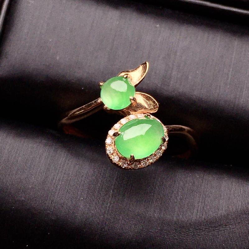18K金钻镶嵌翠绿双蛋面组合戒指 质地细腻 色泽清爽 款式新颖时尚唯美 亮眼圈口14整体尺寸13.6