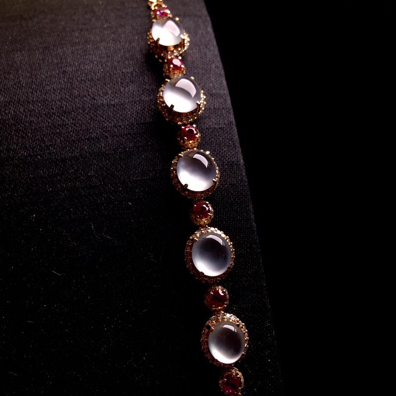 18k金伴钻镶嵌老坑高冰蛋面手链,种好通透,冰透起光,细腻纯净,光感强烈,佩戴精致时尚,裸石:7*6