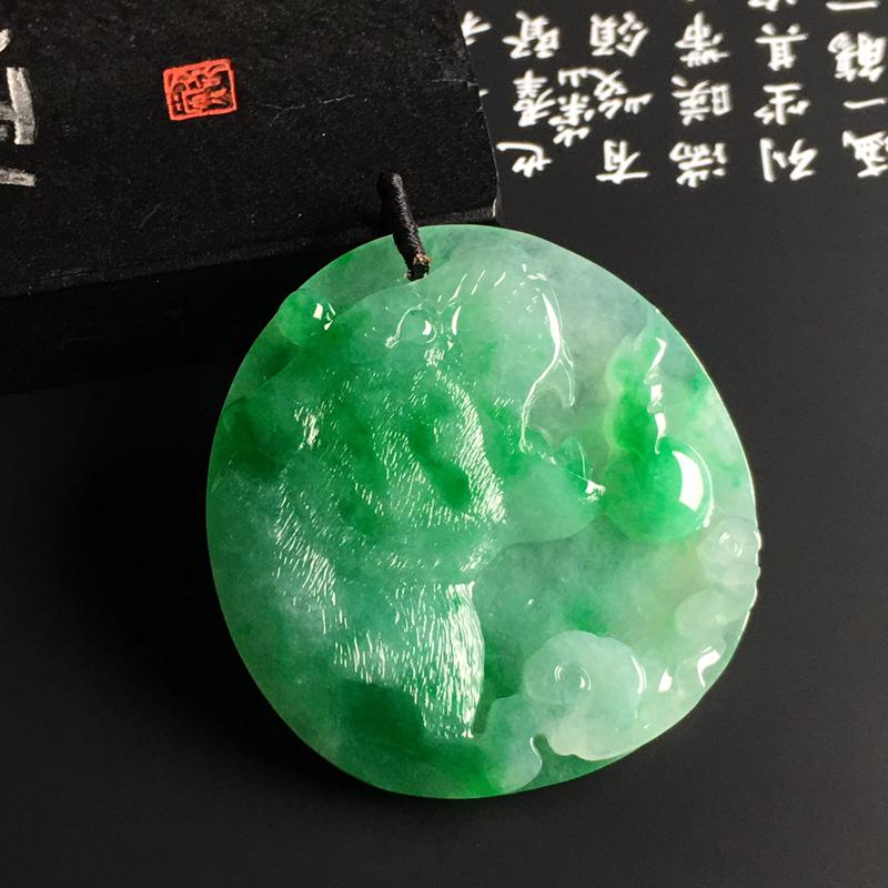 冰糯种带色【虎虎生威】吊坠 翠色阳绿 质地细腻 雕工精湛