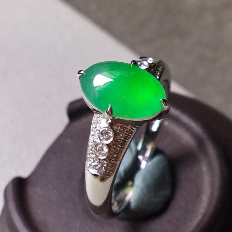 冰种阳绿戒指,色辣水润,无裂饱满,裸石尺寸9.5/6/3.5