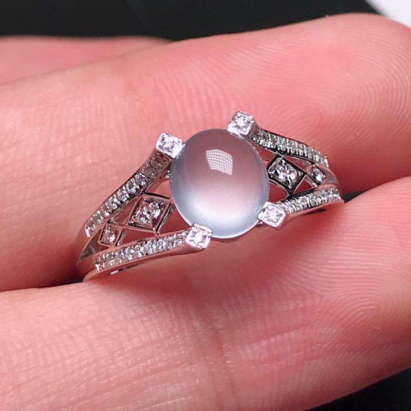 诚意推荐老坑玻璃种起刚性光泽戒指,(款式新颖别致,浪漫气息扑面而来,)荧光十足,整体起强刚性玻