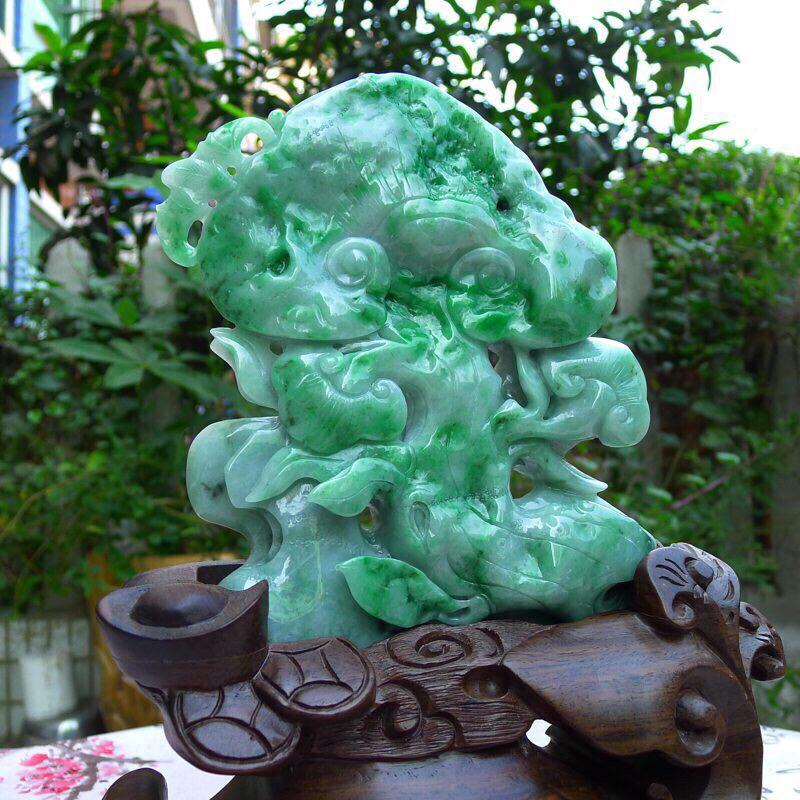 (如意吉祥)翡翠精雕阳绿灵芝如意精品摆件  种水足 雕工精湛 色阳 规格:裸石:180*150*40