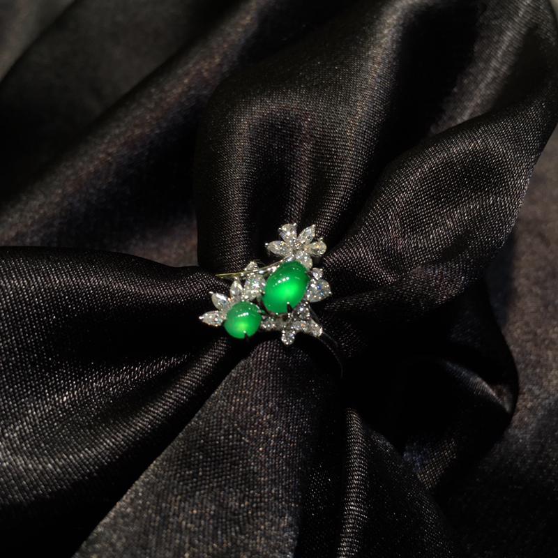 龙石戒指 18K大钻镶嵌 种老起光 小蛋有轻微棉线 卟影响佩戴效果