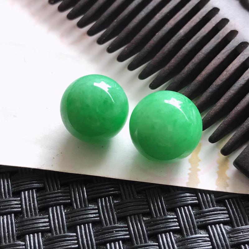 天然翡翠阳绿珠子颜色好编号699尺寸12mm