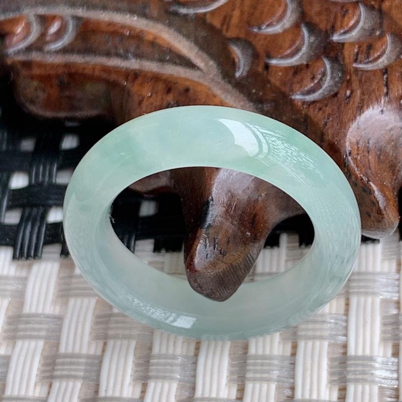 圈口:16.6mm、A货翡翠冰透飘花翡翠指环,编号0408a
