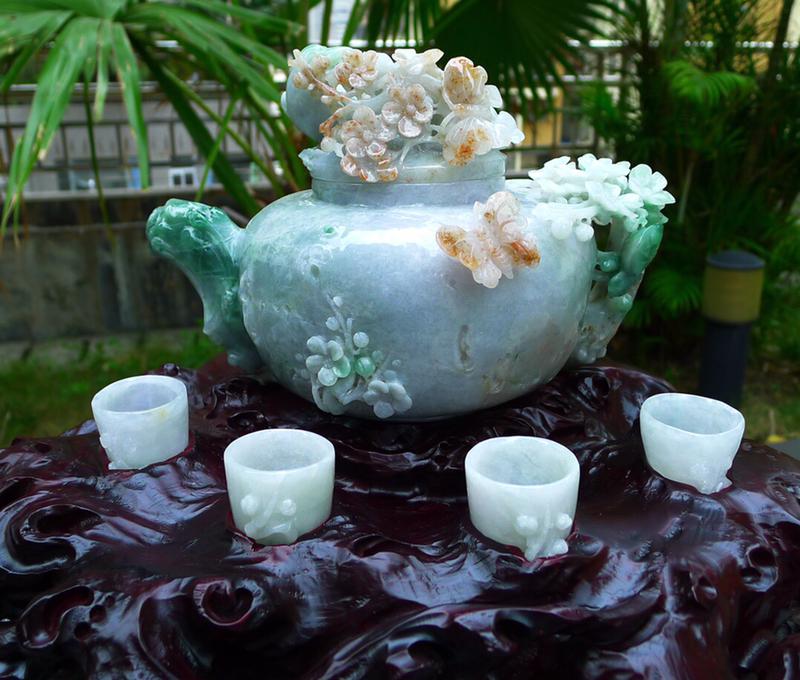 三彩精美茶盘茶壶摆件一套缅甸天然翡翠A货 精美水润三彩 精雕茶壶摆件 玉质细腻 工艺精湛 种老水足尺