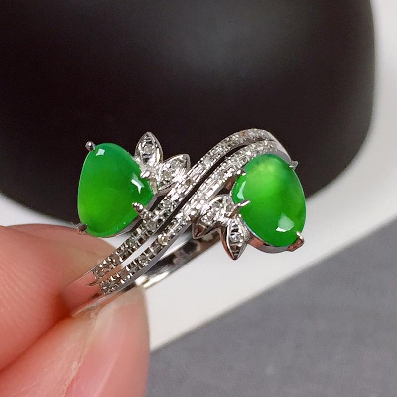 冰种翠绿翡翠戒指,种水好,玉质冰透起光,色泽鲜艳,指圈:13#,尺寸:4.7-6.5-2