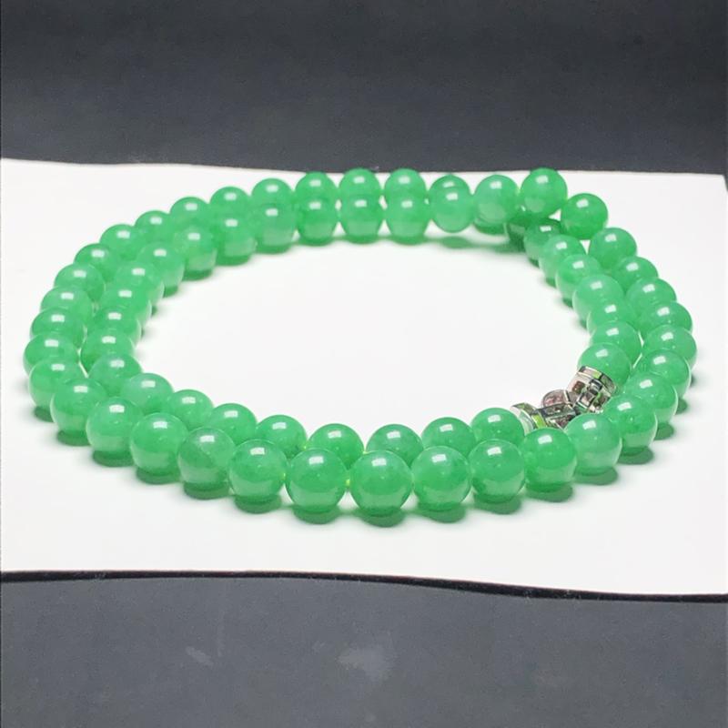 冰糯种果阳绿翡翠珠链项链,67颗,直径7.6毫米,质地细腻,水润光泽,A003AP