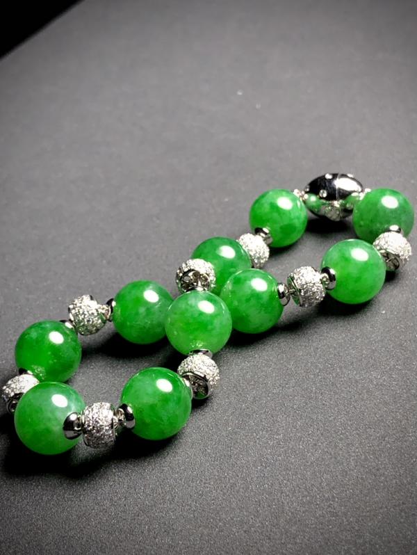 精品绿花珠子手链, 直径11mm,10粒玉珠, 总长约200mm, 36.55g, 18K金伴天然钻