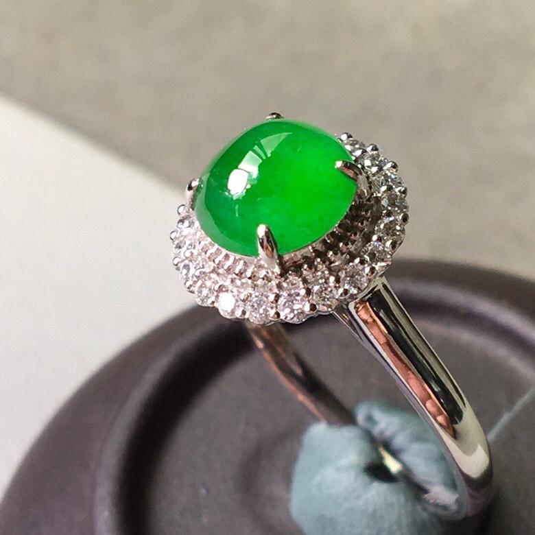 冰种辣绿戒指,色辣水润,饱满无裂,裸石尺寸7.2/3.5--11/8有买就有礼品赠送