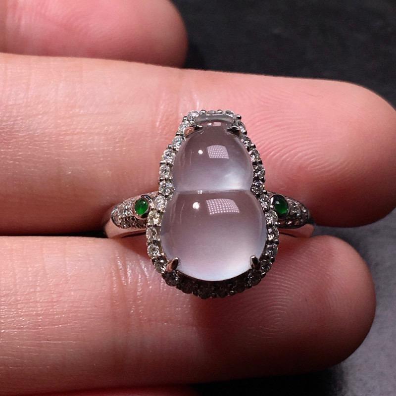 【低价放漏】严选推荐老坑高冰玻璃种翡翠葫芦女戒指,裸石饱满圆润,18k金钻豪华镶嵌而成,品相很