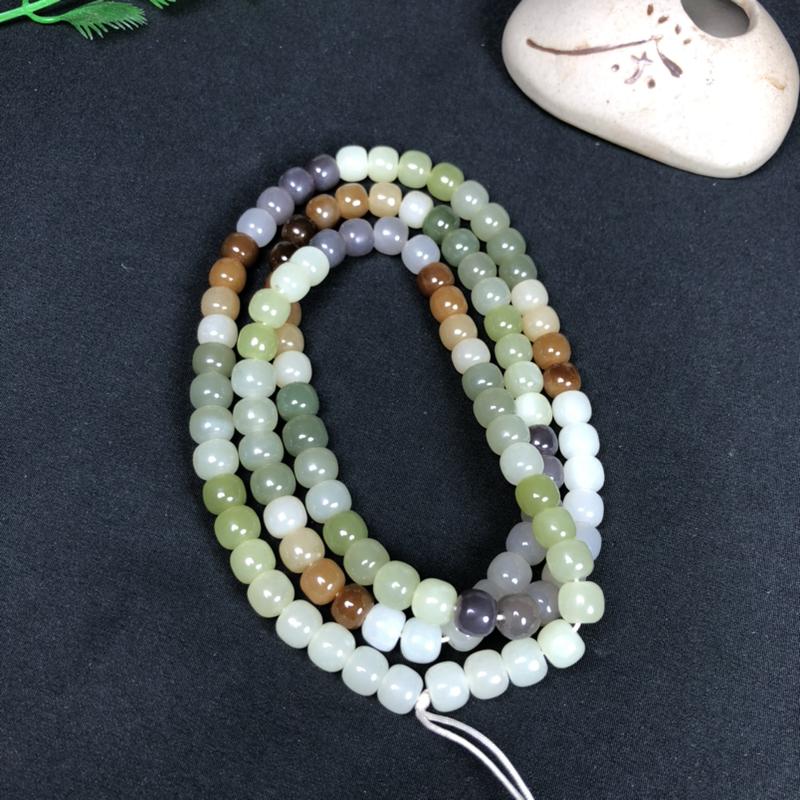 和田玉多 宝珠链 可盘玩可佩戴 玉质细腻,老型珠造型,由糖料 烟紫 晴水等玉料组合而成,多种颜色搭配