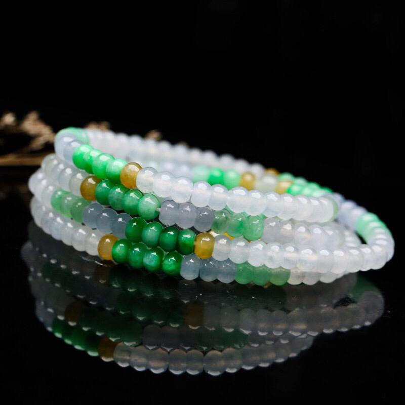 多彩翡翠珠链,共101颗珠子,取其中一颗珠尺寸大约5.6*3.4mm,莹润光泽,清秀高雅,佩戴效果
