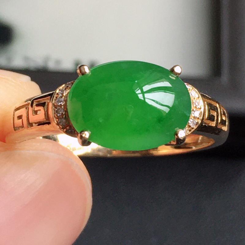 精品翡翠镶18K金伴钻戒指,玉质莹润,佩戴效果更美,商品尺寸:内径:17.1MM,玉:9.7*7.1