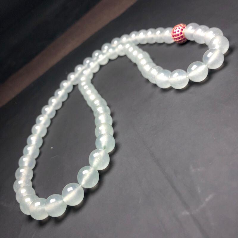 冰种白冰翡翠珠链项链,78颗,直径10.2毫米,质地细腻,冰透水润,水润光泽,隔珠是装饰品,A001