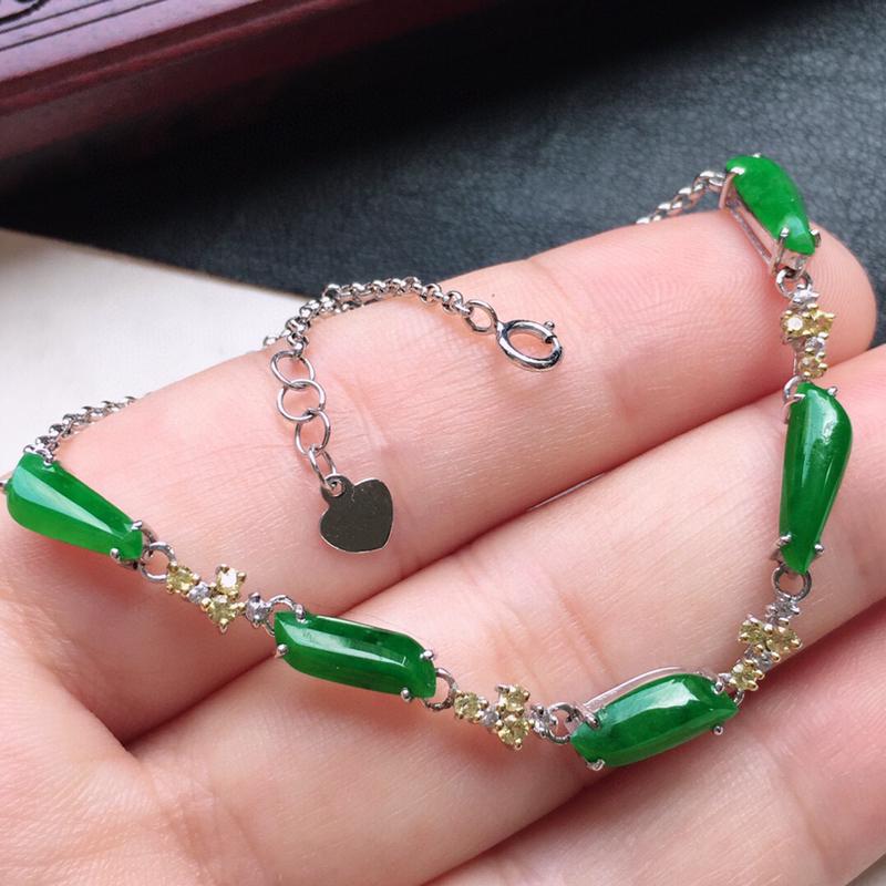 串珠手链,翡翠18K金伴钻镶嵌满绿随形手链,玉质细腻,雕工精美,佩戴送礼佳品,裸石尺寸:取大10.2