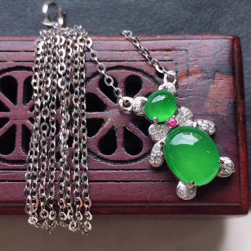 蛋面项链,翡翠18K金伴钻镶嵌满绿蛋面项链,玉质细腻,雕工精美,佩戴送礼佳品,包金尺寸:15.2*9