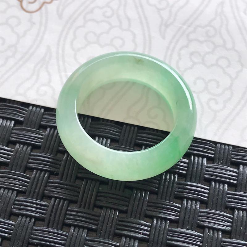 天然翡翠a货飘绿戒指编号699内径17/6/3.5